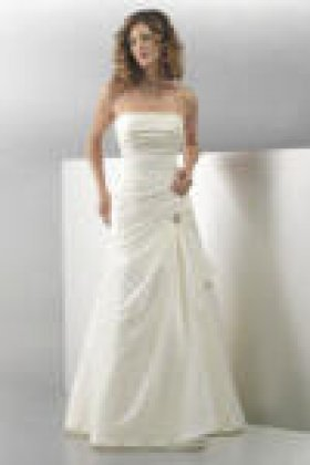 Layla wedding dress front